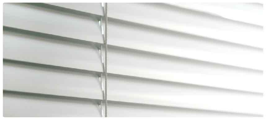 遮熱加工の羽根で部屋の中を涼しく、さらに省エネにもなります