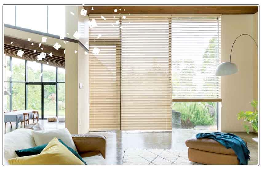 桐のウッド(木製)ブラインドは軽いので掃き出し窓にもおすすめ